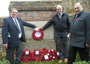 3 descendants lay their wreath
